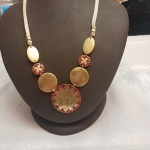 NWT: Lucky Brand necklace
